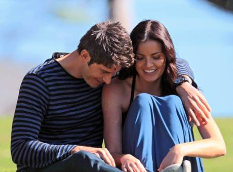 Who is arie dating from the bachelorette
